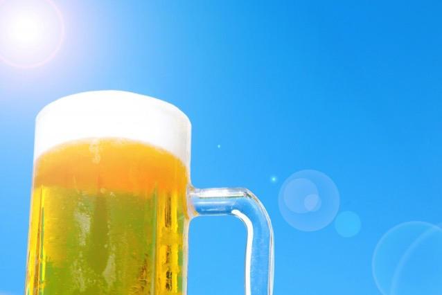 消費者調査データ ビール系飲料<br>じわり差をつめられるスーパードライ